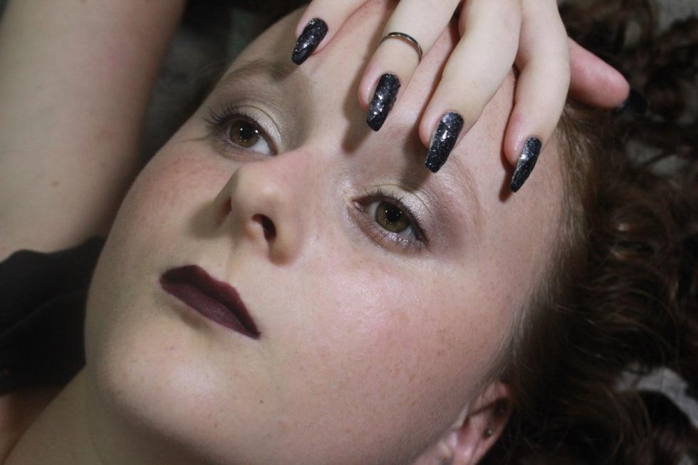 Makeup, hair, and nails: Maria Kiesbye Scholtyssek Photo: Maria Kiesbye Scholtyssek